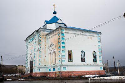 Митрополит Серафим совершил Литургию во Введенской церкви села Низовка