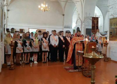 В селе Верхний Ломов совершили молебен перед началом сдачи государственных экзаменов