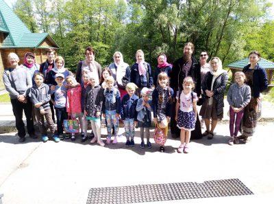 Воспитанники воскресной школы Никольского храма в Терновке посетили Семиключье