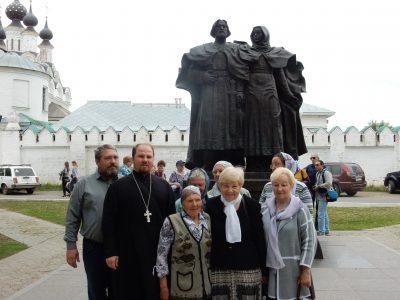 Прихожане Сергиевского храма села Саловка совершили паломничество по святым местам Мурома и в село Дивеево