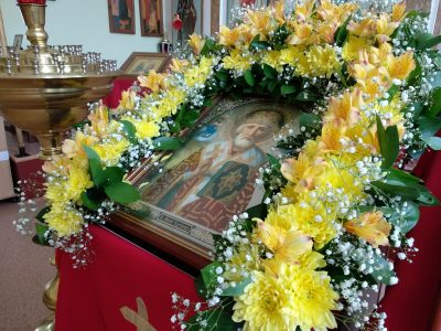 Прихожане храма Петра и Февронии отпраздновали перенесение мощей свт. Николая Чудотворца