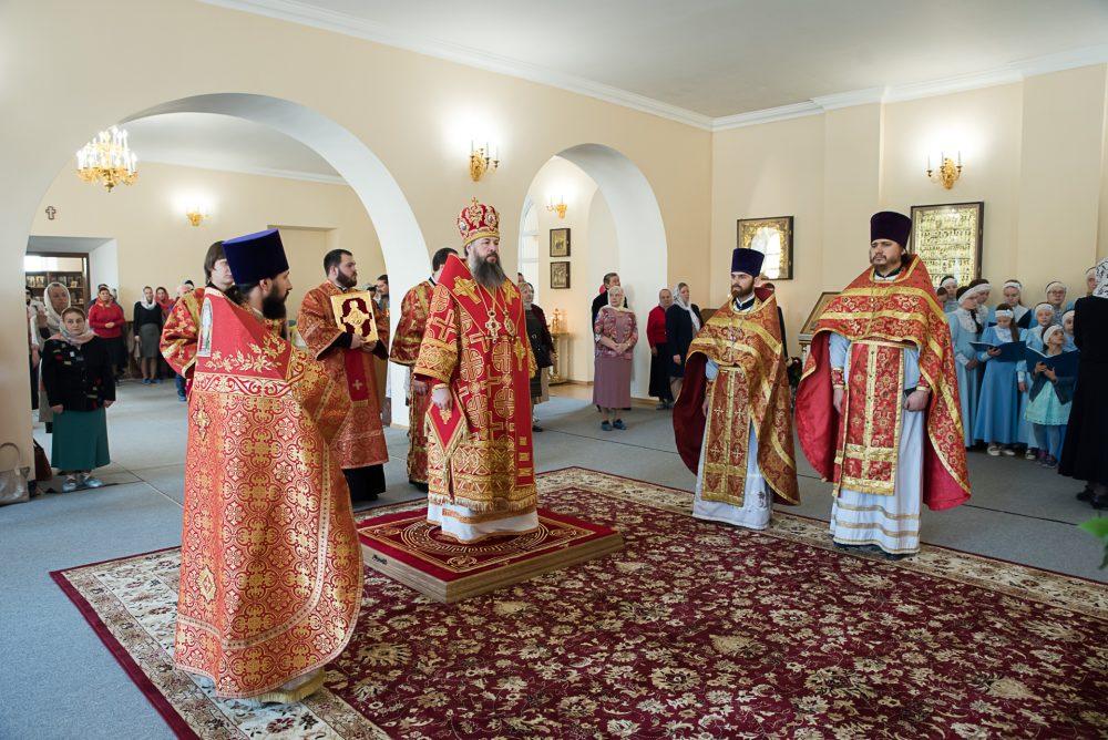В день Антипасхи митрополит Серафим совершил Литургию в Воскресенском храме при Пензенском епархиальном управлении