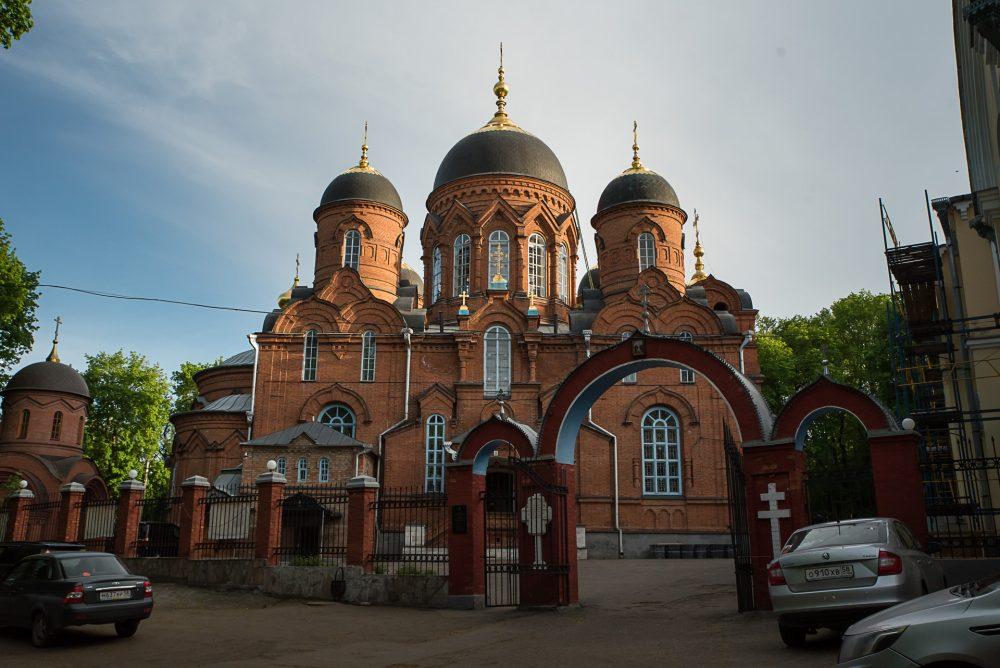 В канун Недели 3-й по Пасхе митрополит Серафим совершил всенощное бдение в Успенском кафедральном соборе