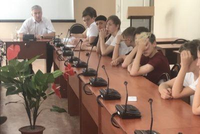 Священнослужитель принял участие в заседании комиссии по делам несовершеннолетних