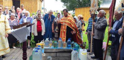 В Мокшанском благочинии состоялся традиционный крестный ход к источнику святой великомученицы Параскевы Пятницы
