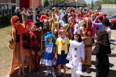 Семейный православный театр принял участие в открытии фестиваля уличного и камерного искусства «Мечты Ассоль»