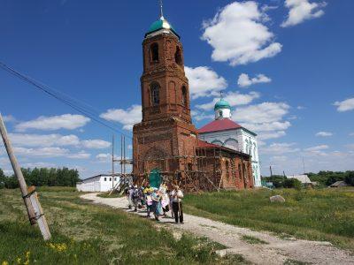 В селе Елизаветино состоялся крестный ход, посвященный дню памяти святителя Иннокентия Пензенского