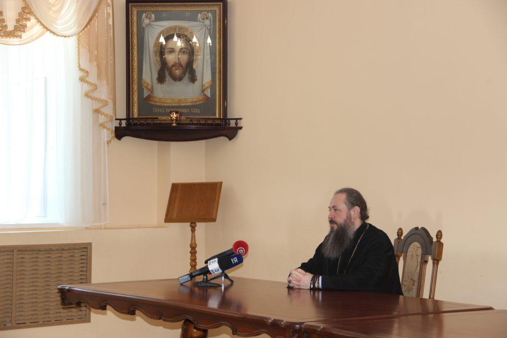 Митрополит Серафим пригласил пензенцев встретить День России на Соборной площади