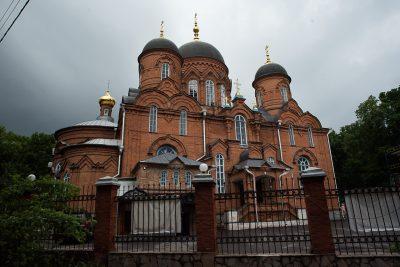 В канун Недели о слепом митрополит Серафим совершил всенощное бдение в Успенском кафедральном соборе