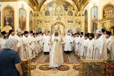 В день памяти архиепископа Серафима (Тихонова) митрополит Серафим возглавил Литургию в Успенском кафедральном соборе