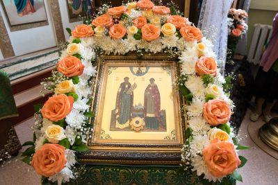 В день престольного праздника митрополит Серафим совершил Литургию в храме во имя святых Петра и Февронии Муромских