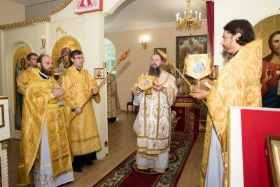В Неделю 2-ю по Пятидесятнице митрополит Серафим совершил Литургию в Воскресенском храме при Пензенском епархиальном управлении