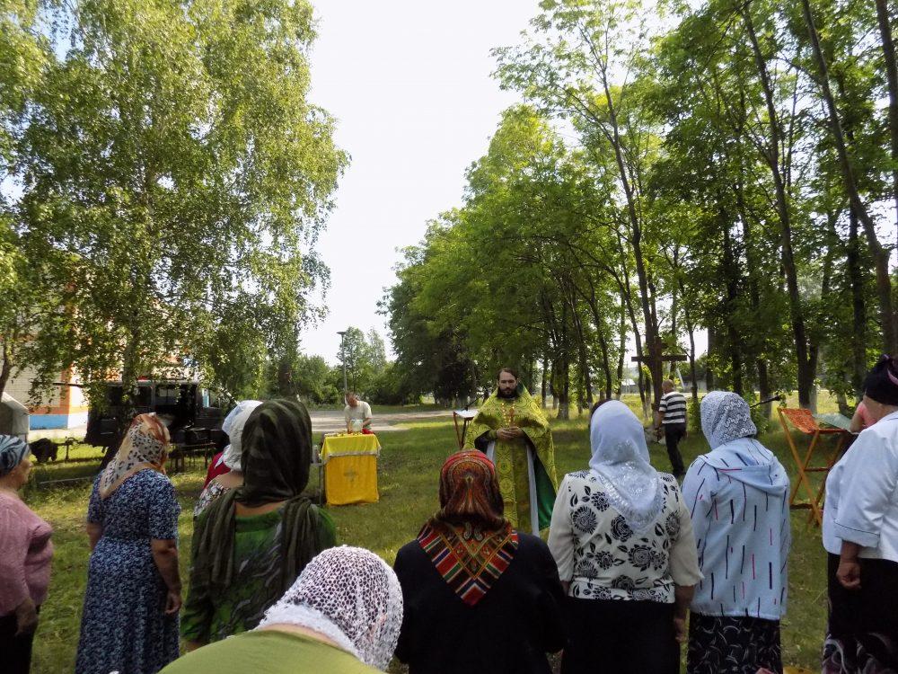 В селе Степановка Бессоновского района совершена миссионерская Литургия
