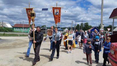 В день Всех святых, в земле Российской просиявших, состоялся престольный праздник в селе Архангельское