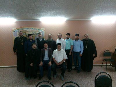 В поселке Чаадаевка прошла встреча священнослужителей Городищенского благочиния и представителей мусульманского духовенства
