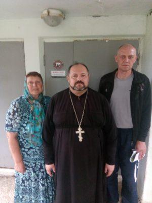 Священнослужитель посетил с пастырским визитом наркодиспансер в селе Русский Ишим