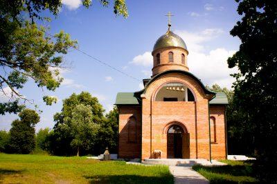 Иоанно-Оленевский храм приглашает верующих принять участие в благоустройстве прилегающей территории