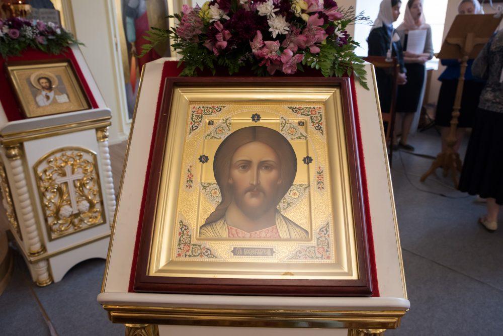 Накануне престольного праздника митрополит Серафим совершил всенощное бдение в Воскресенской церкви при епархиальном управлении