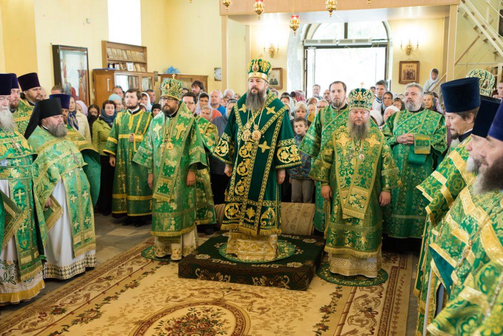 В день памяти Иоанна Оленевского в храме во имя преподобного Сергия Радонежского в селе Соловцовка состоялась праздничная Литургия