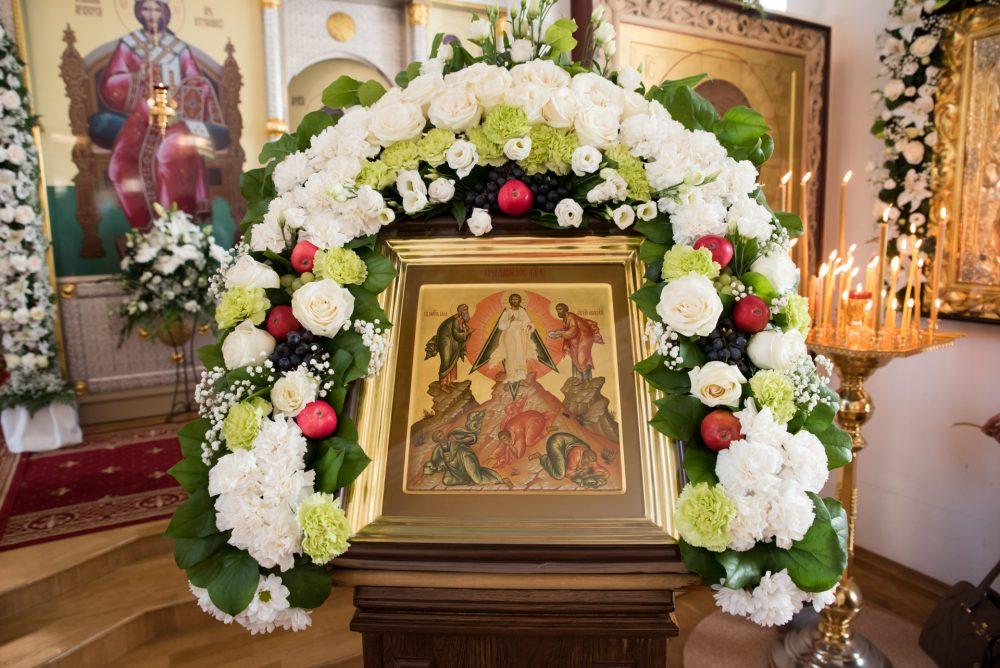 В праздник Преображения Господня митрополит Серафим совершил Литургию в Спасо-Преображенском мужском монастыре