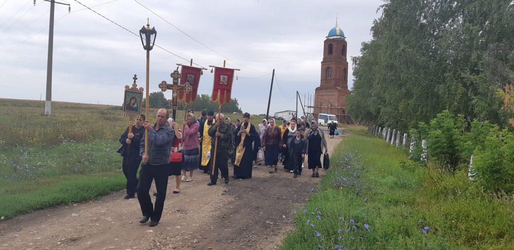В день чествования Казанской-Пензенской иконы Божией Матери в Мокшанском благочинии прошел традиционный крестный ход