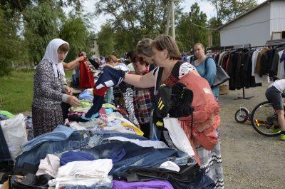 На площади перед храмом Серафима Саровского прошла школьная благотворительная ярмарка