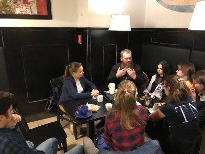 Священнослужитель поговорил со студентами о поведении в конфликтной ситуации