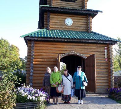 Каменские паломники посетили пещерный монастырь Казанской Алексиево-Сергиевской пустыни в Сазанье