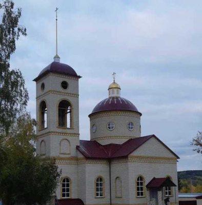 Завершился комплекс архитектурно-строительных работ по внешнему благоустройству храма во имя Всех святых, в земле Российской просиявших