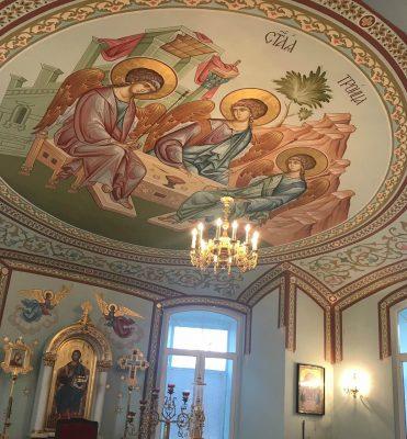 В Каменке завершилась роспись свода и абсиды центрального алтаря Димитриевского храма