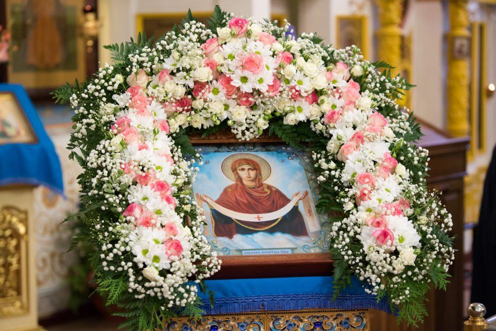 В канун престольного праздника митрополит Серафим совершил всенощное бдение в Покровском архиерейском соборе города Пензы