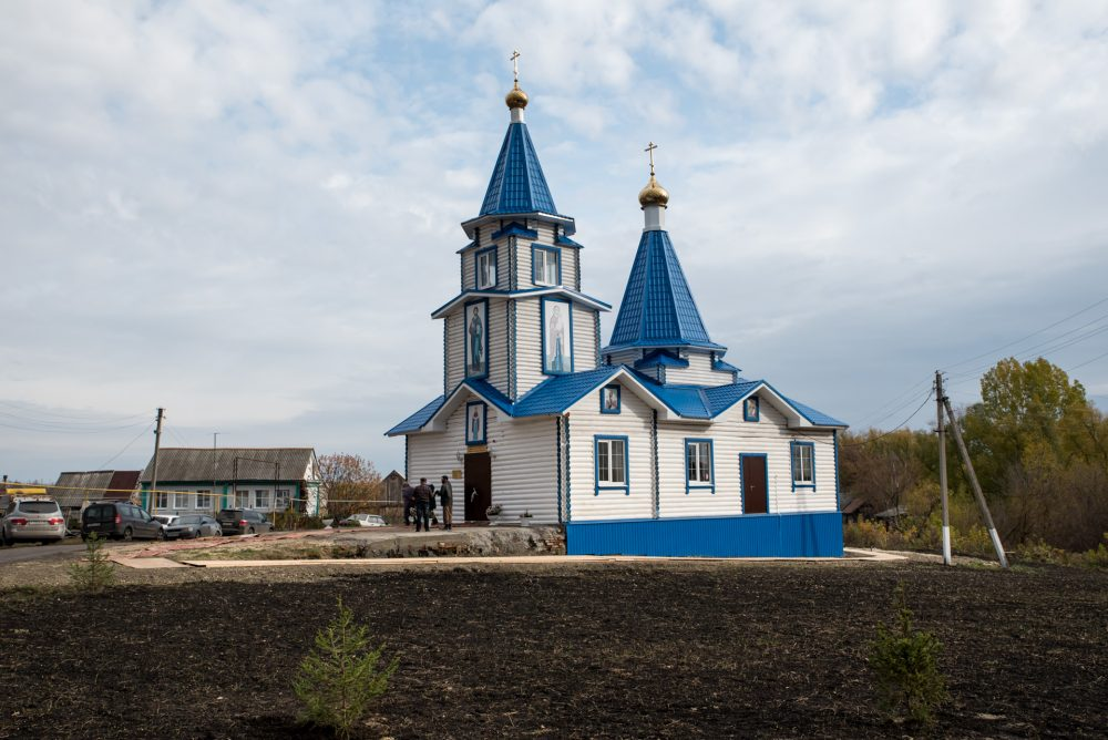 В Неделю 17-ю по Пятидесятнице митрополит Серафим совершил великое освящение Покровской церкви села Полеологово