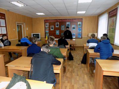 Священник встретился с призывниками Бессоновского и Мокшанского районов
