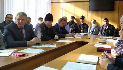 Клирики Бессоновского благочиния приняли участие в заседании по вопросам законодательства в области религиозного права
