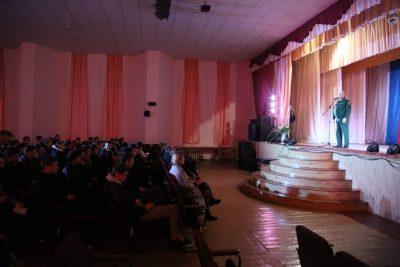 Во Всероссийский день призывника священник принял участие в торжественном мероприятии