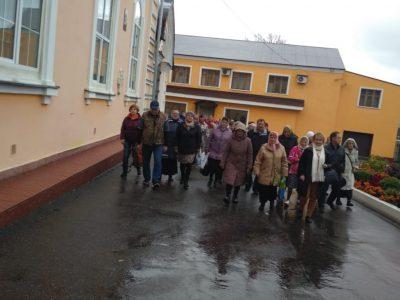 Покровский архиерейский собор посетили паломники из Москвы
