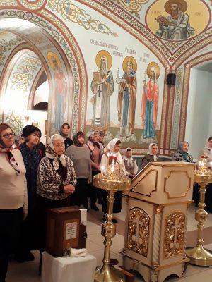 В праздник Собора Архистратига Михаила и прочих Небесных Сил бесплотных в Каменке состоялась ночная Литургия