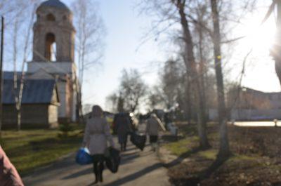 Приход храма Серафима Саровского оказал вещевую помощь храмам епархии