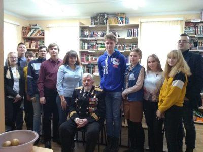Участники молодежного общества «Покров» встретились с капитаном 1-го ранга В.Б. Шицем
