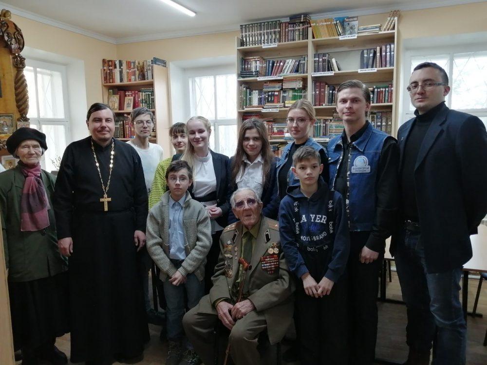 Прихожане Покровского собора встретились с ветераном Великой Отечественной войны