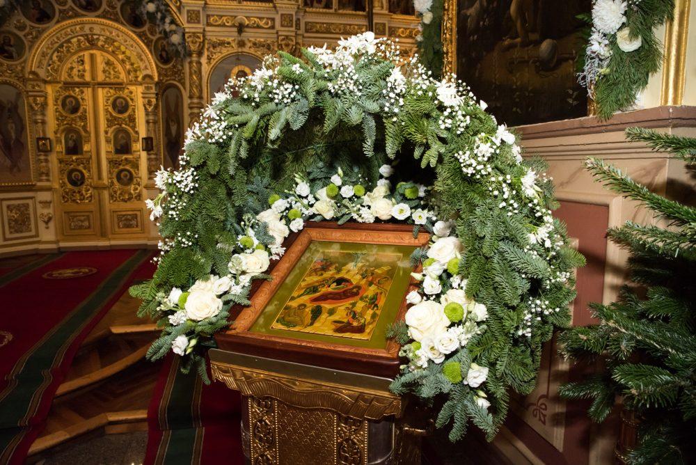 В канун Рождества Христова митрополит Серафим совершил всенощное бдение в Успенском кафедральном соборе