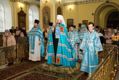 В праздник Сретения Господня митрополит Серафим совершил Литургию в Покровском архиерейском соборе