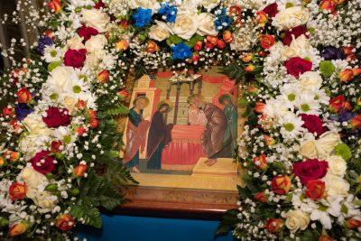 В канун праздника Сретения Господня митрополит Серафим совершил всенощное бдение в Покровском архиерейском соборе