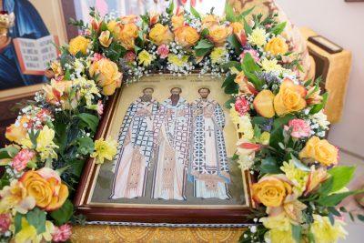 В день престольного праздника митрополит Серафим совершил Литургию в храме Трех Святителей Вселенских в Пензе