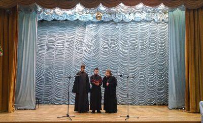 Камерный хор Пензенской духовной семинарии поздравил ветеранов с рождественскими праздниками