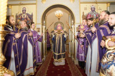 В Неделю 2-ю Великого поста митрополит Серафим совершил Литургию в Спасо-Преображенском мужском монастыре