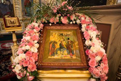 В праздник Входа Господня в Иерусалим митрополит Серафим совершил Литургию в Успенском кафедральном соборе