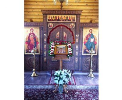 В день памяти Собора новомучеников, в Бутове пострадавших, митрополит Серафим совершил Литургию в скиту поселка Подлесный