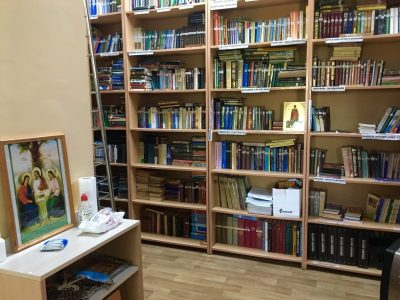Библиотека при Покровском архиерейском соборе вновь открыта для прихожан и читателей