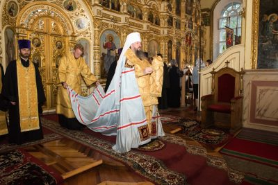 В канун Недели 10-й по Пятидесятнице митрополит Серафим совершил всенощное бдение в Успенском кафедральном соборе